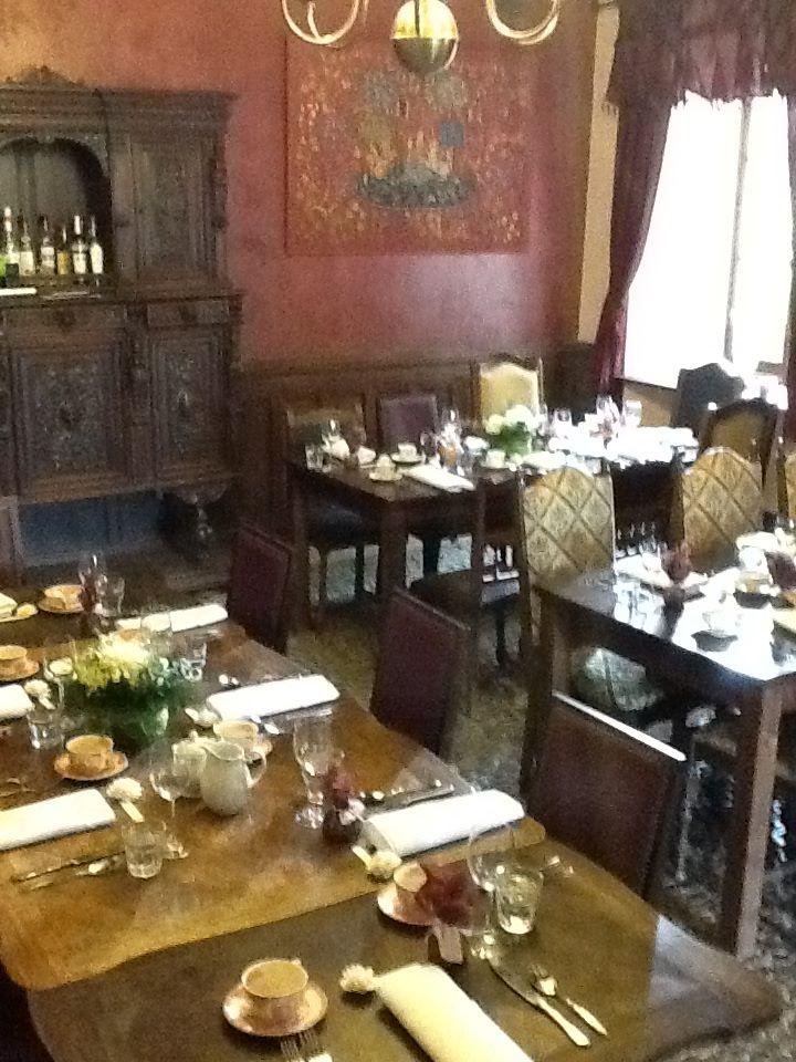 dining_3.jpg
